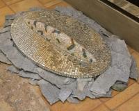1 convesso 1990 2008 cm 85 x 45 x 9 più pietra sedimentaria.jpg